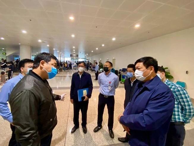 Ca thứ 55, 56 nhiễm COVID-19, bay từ Châu Âu đến Hà Nội