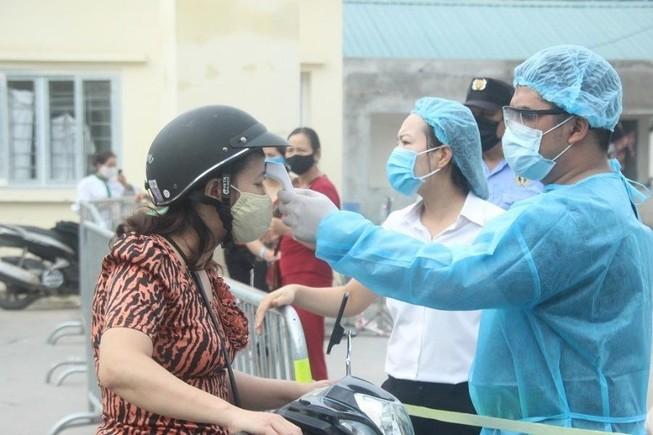 1 chuyên gia mắc COVID-19 nhập cảnh vào Việt Nam