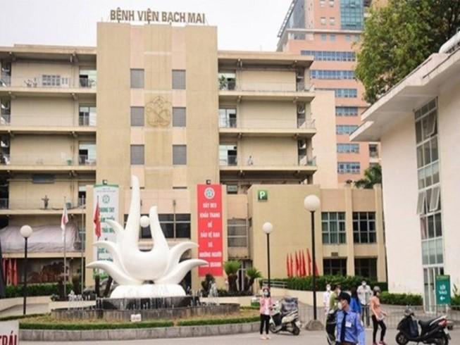 Khám giáo sư giá 550.000 của BV Bạch Mai bị Bộ Y tế 'tuýt còi'