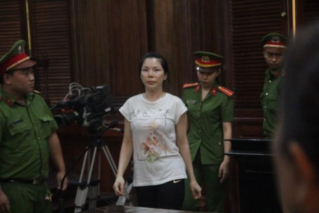 Đang xử vụ BS Chiêm Quốc Thái bị vợ cũ thuê người chém