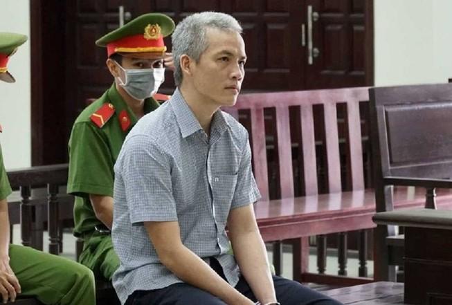 Tòa nói gì về vụ cựu viện phó nhận 2.500 USD để 'chạy án'?