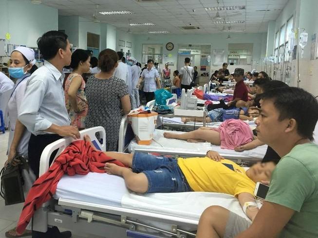Hơn 30 trẻ nhập viện sau khi ăn bánh mì chà bông