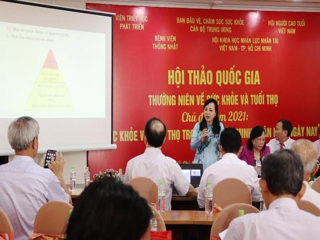 Dân số Việt Nam đang già nhanh: 'Chưa giàu thì đã già'