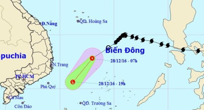 Áp thấp nhiệt đới gây mưa, giông tại TP.HCM