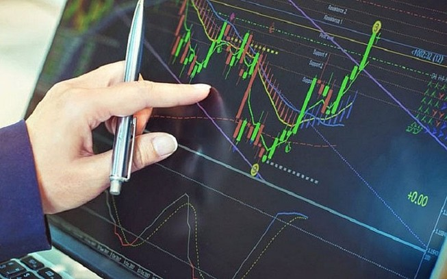 Nhà đầu tư rục rịch xuống tiền, cổ phiếu địa ốc tăng giá | Bất động sản |  PLO