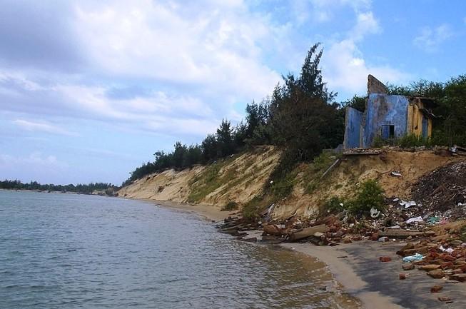 Đầu tư hơn 21,4 tỉ đồng sửa bờ kè biển ở xã đảo