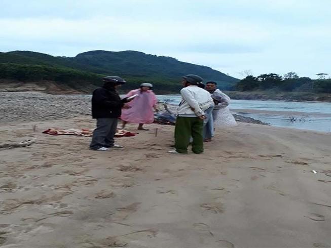 Tìm thấy thi thể học sinh lớp 4 gặp nạn vì cầu đứt cáp