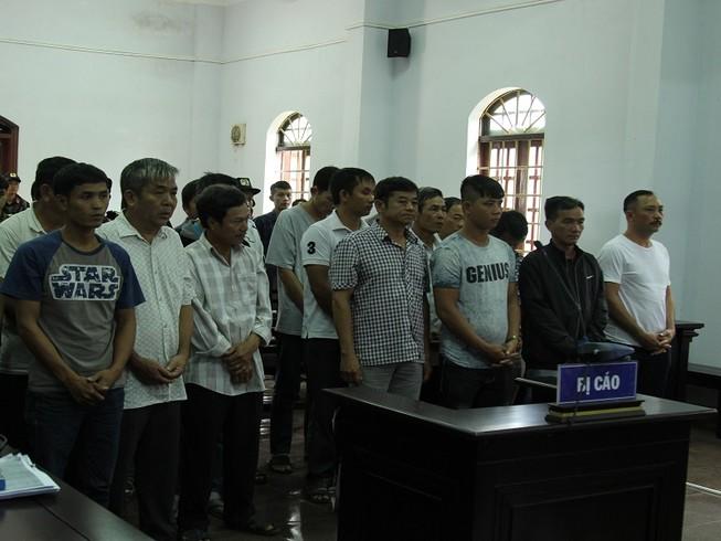 Giám đốc nhập viện trên đường hầu tòa bị tuyên 8 năm tù