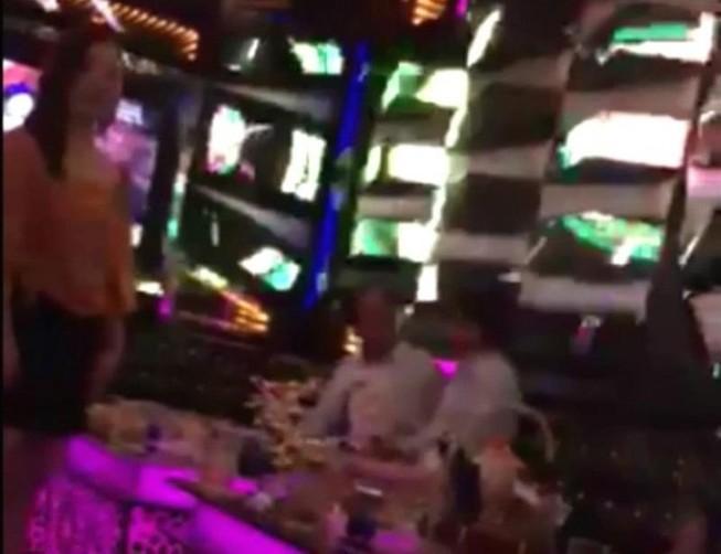 Kết quả xác minh thông tin viện trưởng huyện hát karaoke 'ôm'