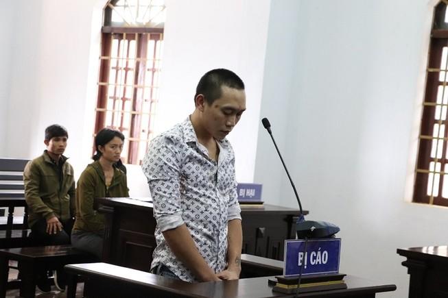 Kẻ lừa tiền vợ nạn nhân Rào Trăng 3 lãnh án