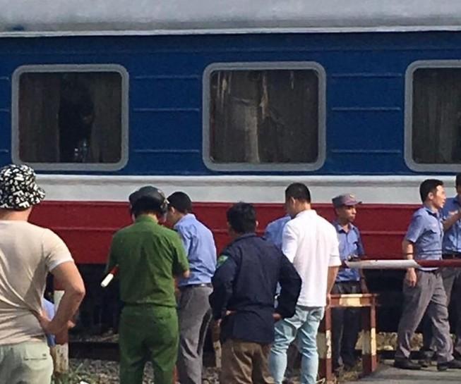 Bình Dương: Người đàn ông lao vào tàu hỏa chết thảm
