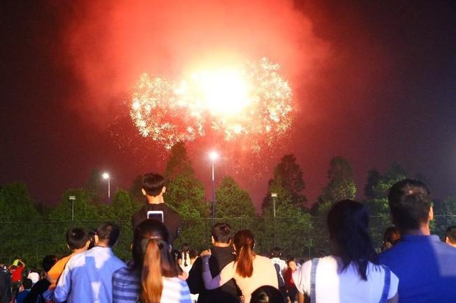 9 địa phương ở Bình Dương đều bắn pháo hoa chào mừng năm mới