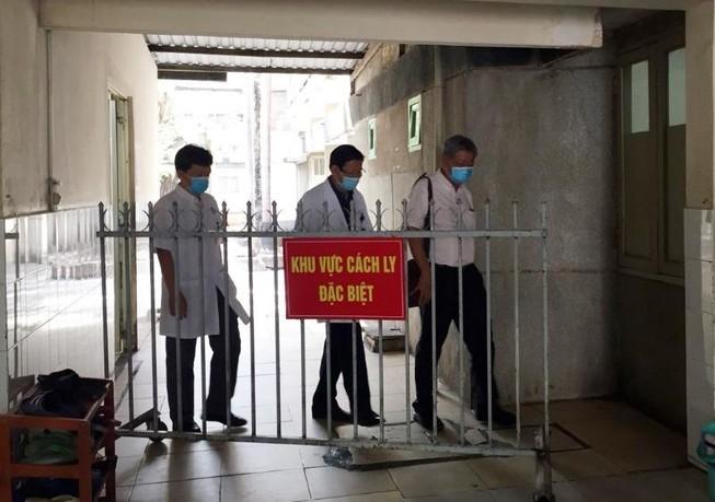 Bình Dương: 5 người Trung Quốc bị cưỡng chế đi cách ly