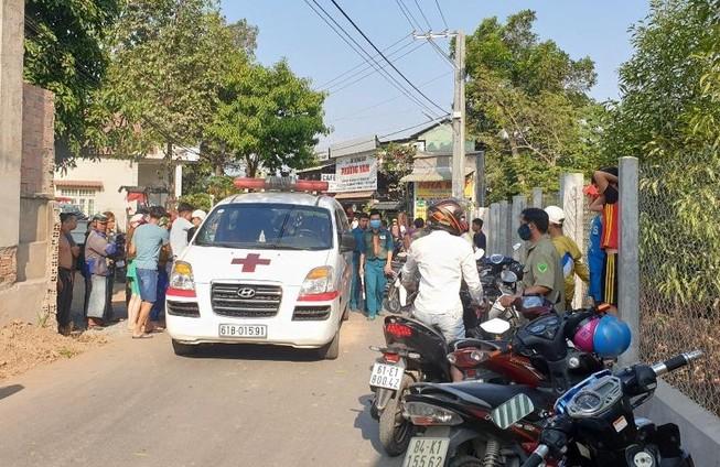 Bình Dương: Lao xe máy vào hàng rào, nạn nhân tử vong