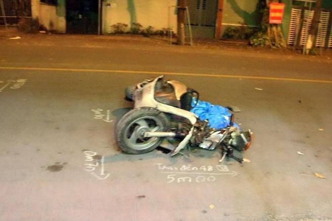 Tài xế ô tô con húc văng xe máy rồi bỏ chạy đã ra trình diện