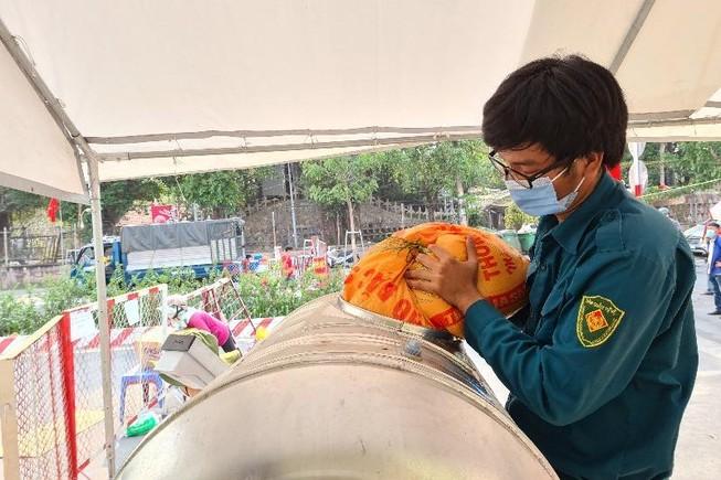 Bình Dương: ATM gạo đã đến với người dân khu phong tỏa
