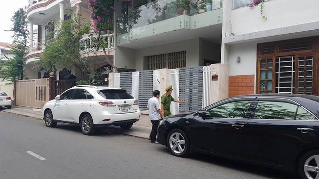 Công an khám xét nhà ông Văn Hữu Chiến, Trần Văn Minh