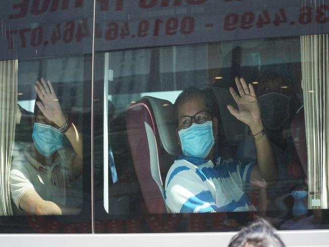 Đoàn y bác sĩ Huế, Bình Định rút khỏi Đà Nẵng