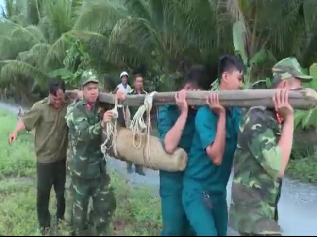 Hai giờ vô hiệu hóa quả bom 150 kg nằm trong vườn nhà dân