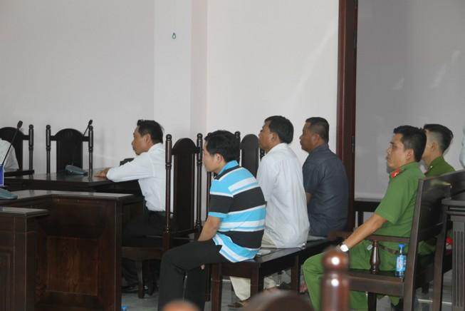 Chuyên gia luật nói về vụ 'bị cáo biến mất, tòa phải hoãn xử'