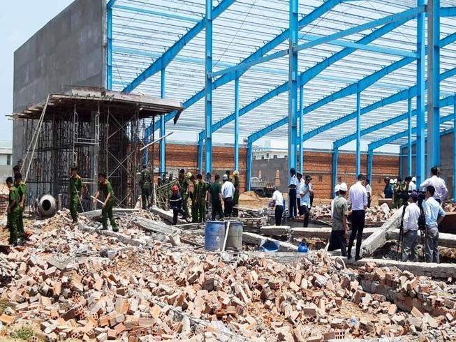 Khởi tố vụ án sập tường làm 6 người chết ở Vĩnh Long
