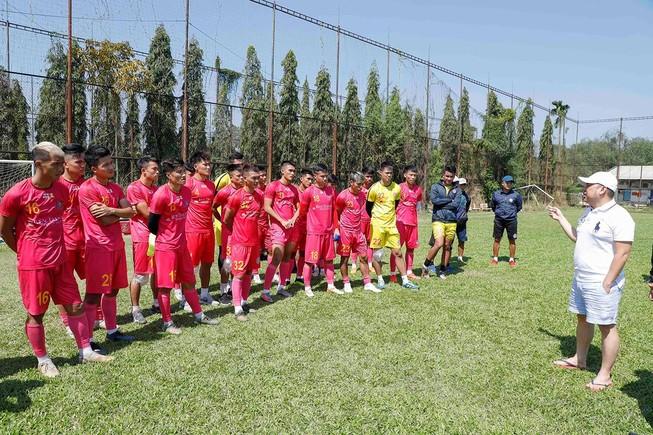 Thầy Nhật sẽ dẫn dắt Sài Gòn FC thay HLV Vũ Tiến Thành