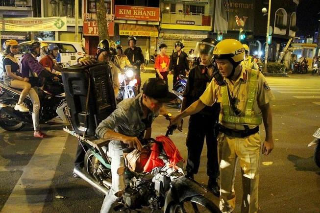 TP.HCM: 57 xe máy bị tạm giữ trong đêm chung kết bóng đá nam