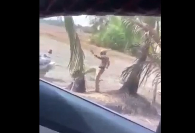 Công an huyện Bình Chánh nói về clip CSGT đánh người