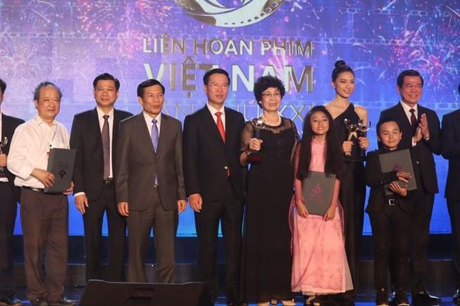 Trấn Thành, Hoàng Yến Chibi vắng mặt dù đạt giải cao tại LHP