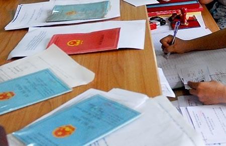 Uỷ ban lưu giấy tờ chứng thực chữ ký trong bao lâu?