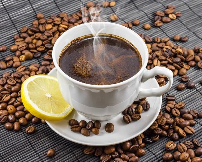 Thực hư việc uống cà phê với chanh tốt cho sức khỏe