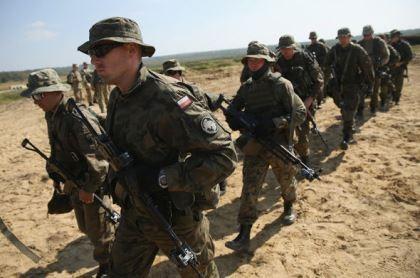 Lo ngại Nga, Ba Lan điều 46.000 quân bảo vệ biên giới