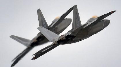 Lo ngại Nga, Mỹ triển khai máy bay tàng hình tới biển Đen