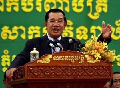 Thủ tướng Campuchia bác tin con trai ông là người gốc Việt