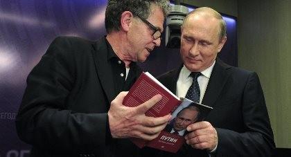 Tổng thống Putin tiết lộ lý do không bao giờ đọc sách về mình