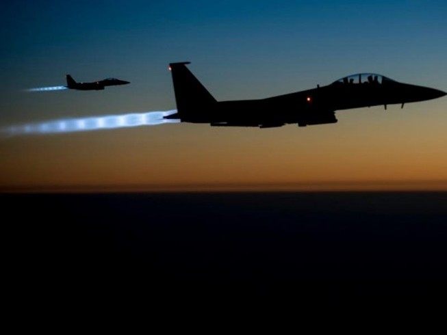 Liên quân Mỹ không kích đoàn xe chính phủ Syria