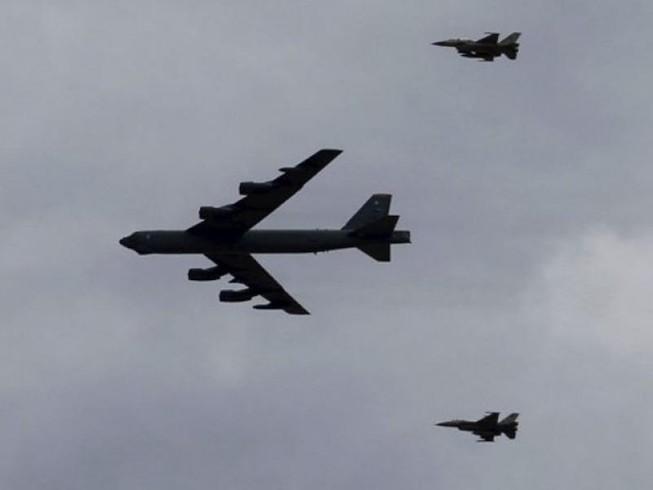 Lầu Năm Góc lên tiếng vụ Su-27 Nga giáp mặt B-52 Mỹ