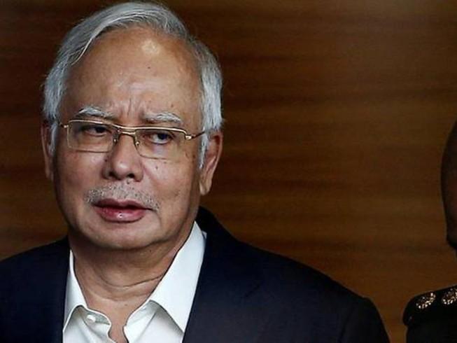 Cựu thủ tướng Malaysia bị bắt tại nhà riêng