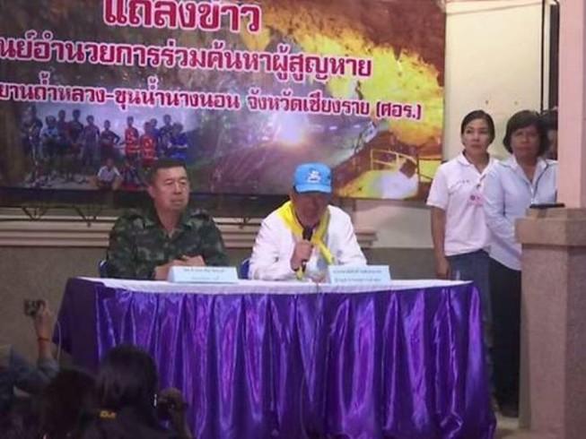 Tạm dừng chiến dịch giải cứu đội bóng Thái Lan do hết bình oxy