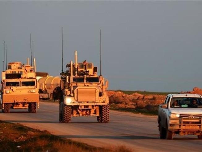 Mỹ điều 250 xe chở đầy vũ khí tiến vào miền Bắc Syria