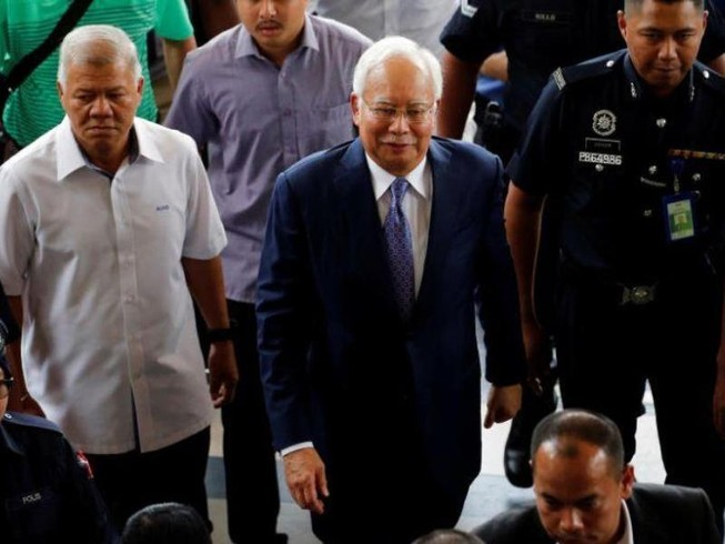 Cựu thủ tướng Najib bị tố tham nhũng hàng tỉ USD để sửa nhà