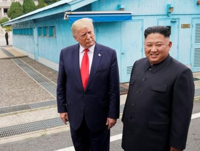 Tiết lộ lý do cuộc gặp Trump - Kim thất bại
