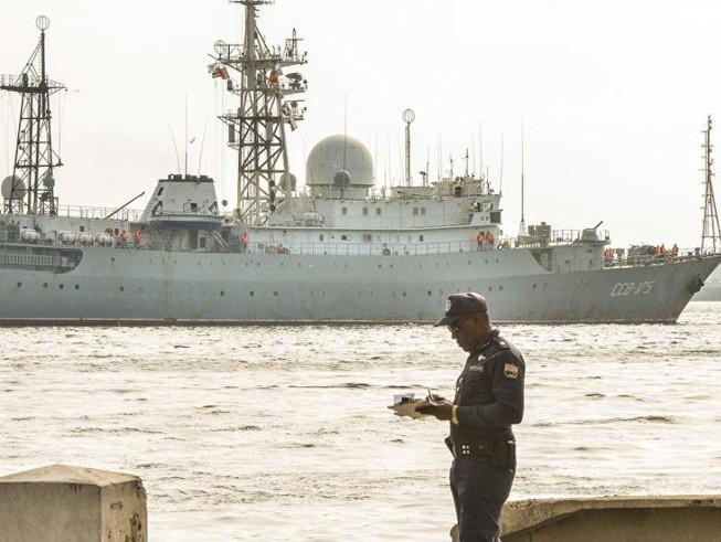 Mỹ, Canada theo dõi tàu tình báo Nga tiến gần bờ biển mình