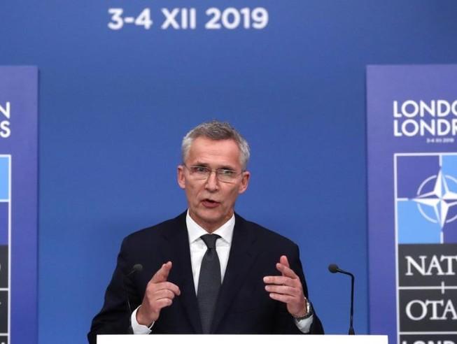 NATO nói nên có quan hệ tốt với Nga, sẵn sàng gặp ông Putin