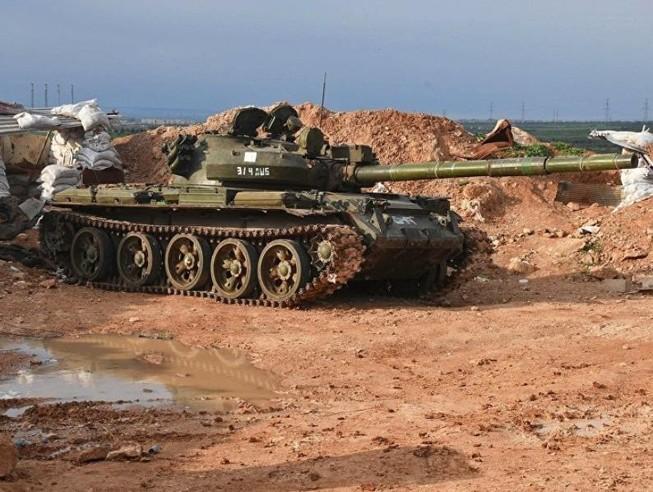 Video: Tên lửa Mỹ bắn trúng xe tăng T-62 của Nga phát nổ