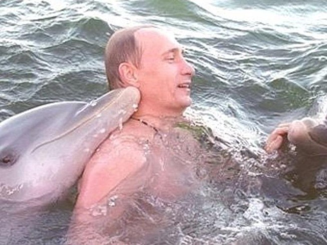 Hé lộ video chưa từng nhìn thấy về ông Putin trong 20 năm qua
