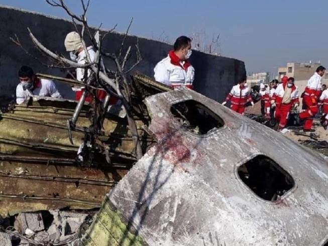 Hiện trường vụ rơi máy bay chở khách của Ukraine sáng 8-1 tại Tehran, Iran. Ảnh: SPUTNIK