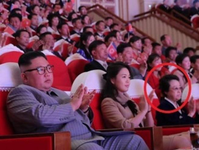 Cô ruột ông Kim Jong-un bất ngờ xuất hiện sau 6 năm chồng chết