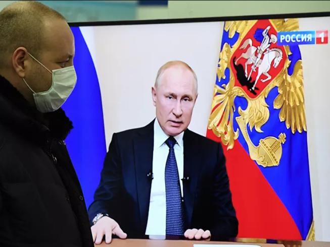 Tổng thống Nga Putin phát biểu trên truyền hình quốc gia.