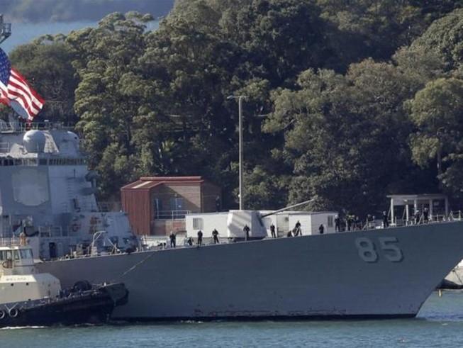 Tàu chiến USS McCampbell của Mỹ.